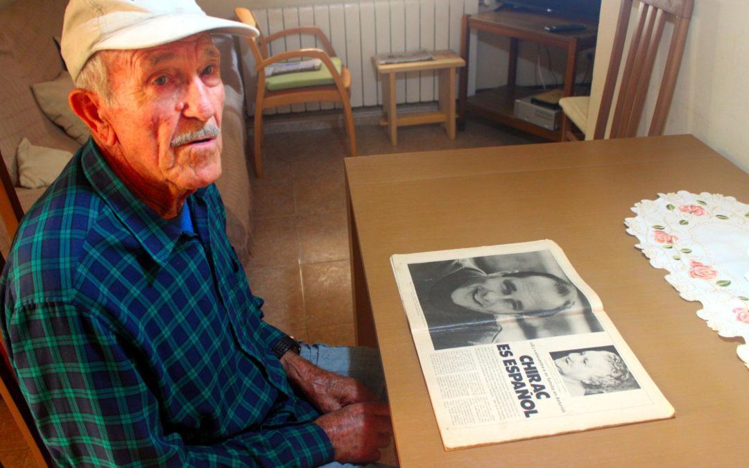 """Rafel Figuerola, """"Man"""", a casa seva, del carrer Comerç 6 de Baix a Mar. Fotografia: Albert Jansà"""