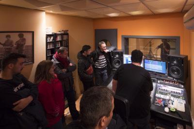 Els nostres subscriptors visiten la recta final l'enregistrament del nou disc dels Tres