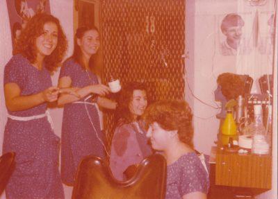 Més de 50 anys de passió per la perruqueria