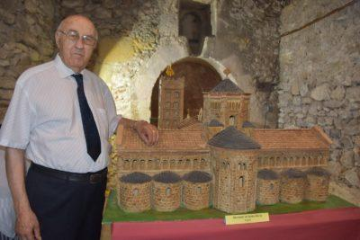 Mor Antoni Sastre, l'artista de les maquetes d'edificis emblemàtics de la Torre