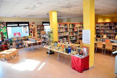 La Biblioteca Municipal de Roda de Berà es reinventa per entrar a casa dels lectors
