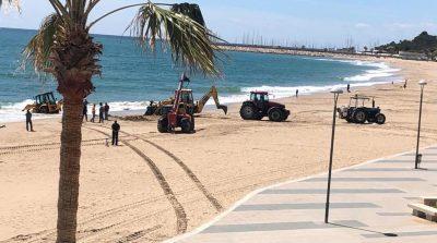 Incident amb una excavadora a la platja de Baix a Mar