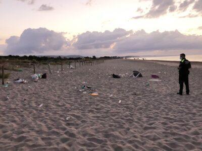 Identificats una quinzena de participants al 'botellón' a la platja dels Muntanyans