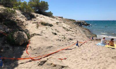 L'excés de banyistes obliga a tancar la platja del Canyadell durant dues hores