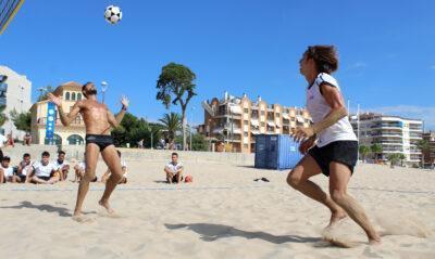 Els integrants de la 'selecció de Llorenç Gómez' es concentren  a la platja de Torredembarra