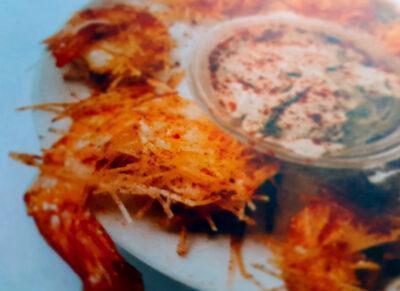 LA CUINA DE L'AVI MACIÀ l Llagostins arrebossats amb fideus rossos cruixents i salsa d'escopinyes