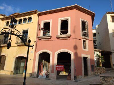 ESPECIAL CONSTRUCCIÓ l La rehabilitació d'edificis recupera el nucli antic d'Altafulla