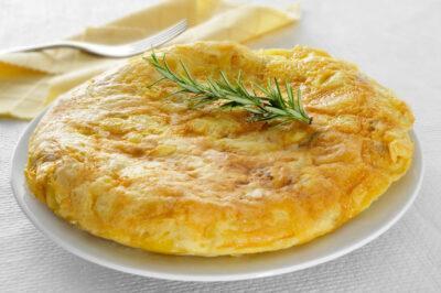 L'etern dilema: La truita de patata, amb, o sense ceba?