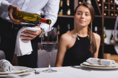 Com servir correctament el vi