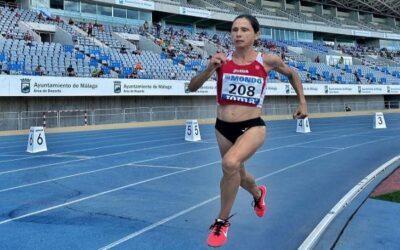 Marta Camps es penja dues medalles d'or en Campionat d'Espanya Màster d'Atletisme