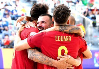 Espanya guanya 5-3 els Emirats Àrabs amb gol d'Eduard Suárez i passa a quarts de la Copa  del Món de futbol platja